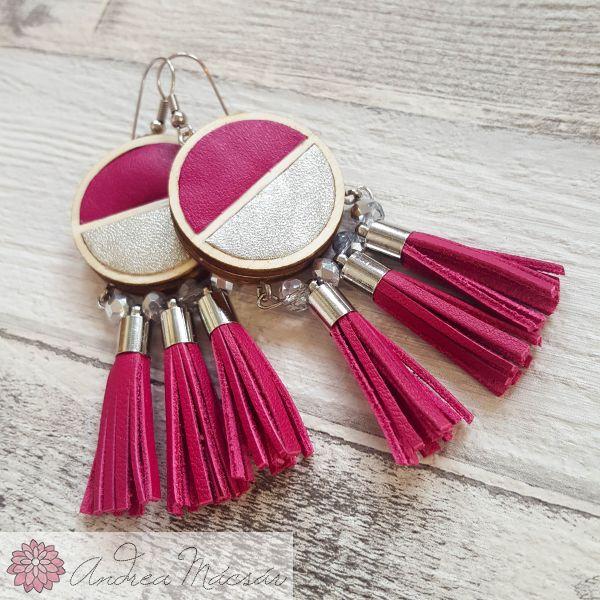 1f3afd581189 Pink-ezüst felezett fülbevaló bőr rojtokkal, csillogó üveggyöngyökkel - kis  méret