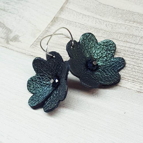 Különleges bőrből készült virág fülbevaló