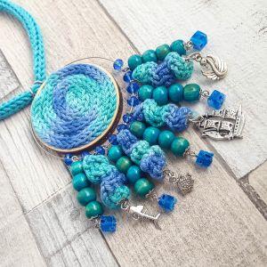 Aqua - hosszú, fesztivál nyaklánc charmokkal