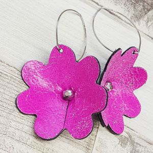 Koptatott pink bőr virág fülbevaló