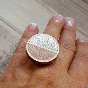 Pasztell rózsaszín- ezüst felezett bőr gyűrű