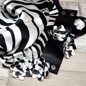 Bőr virágos ékszerszett ajándék selyemkendővel - fekete/ fehér Vol1.