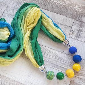 Zöld, sárga kék, színátmenetes kendő golyósorral
