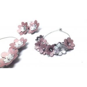 Csillogó rózsaszín, ezüst bőr virágokból készült elegáns, csajos ékszerszett
