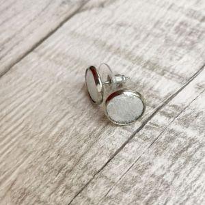 Ezüst pötty Kitti fülbevaló valódi bőrből