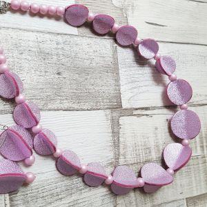 Fényes világos rózsaszín bőrből készült pillangó ékszerszett - nyaklánc, fülbevaló