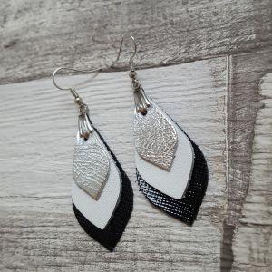 Fekete-fehér-ezüst bőr levél fülbevaló