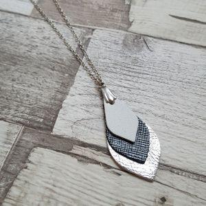 Fekete-fehér-ezüst bőr levél nyaklánc