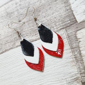 Fekete-fehér-piros bőr levél fülbevaló