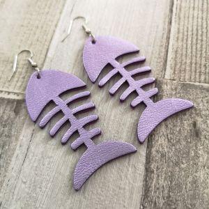 Fishbone metál lila fülbevaló