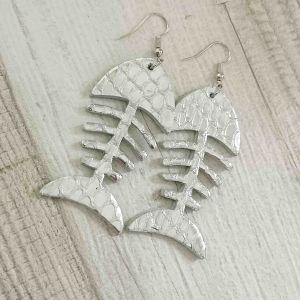 Fishbone pikkelyes ezüst színű fülbevaló