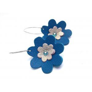 Kék, arany bőr virágos fülbevaló - elegáns, különleges ékszer