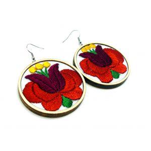 Kézzel hímzett fülbevaló kalocsai tulipánvirág - piros