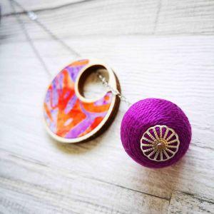 Átbújtatós nyaklánc lila narancs mintás