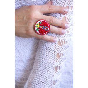 Kézzel hímzett matyó mintás design gyűrű - piros
