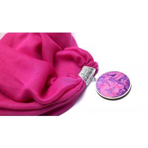 Pink kendő batikolt lila medállal