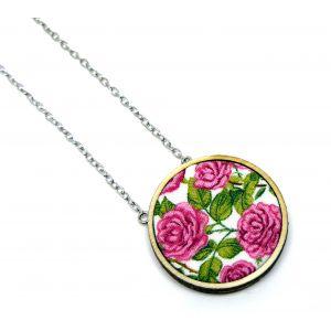 Rózsaszín rózsás nyaklánc