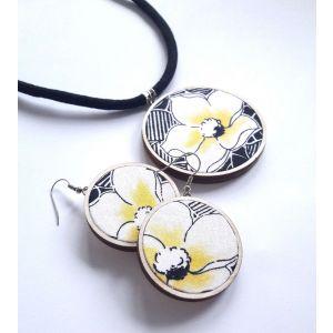 Sárga-fekete virág mintás ékszerszett - nyaklánc és fülbevaló