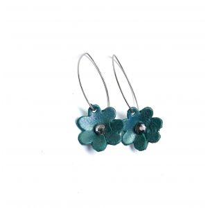 Türkiz kis virágos fülbevaló különleges akasztóval