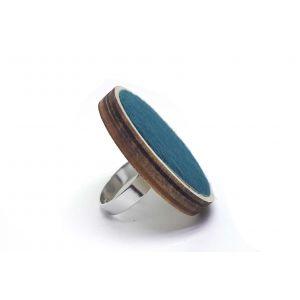 Türkiz színű, bociszőrös, nagy gyűrű